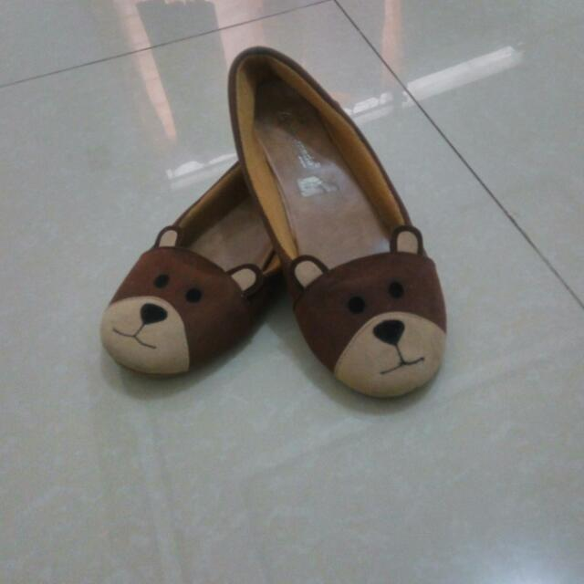 Sepatu Bear