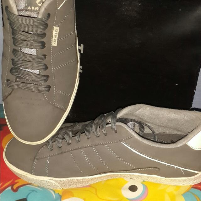Sepatu Casual Original Airwalk grey size 42.