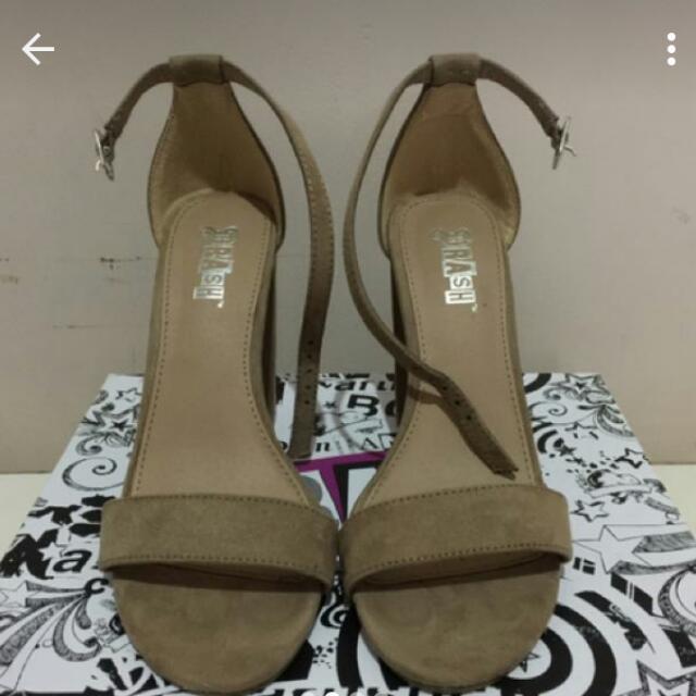 Sepatu Straps Heels