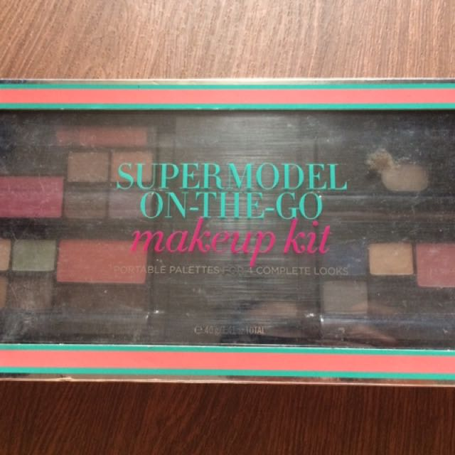 Supermodel On The Go By Victoria Secret