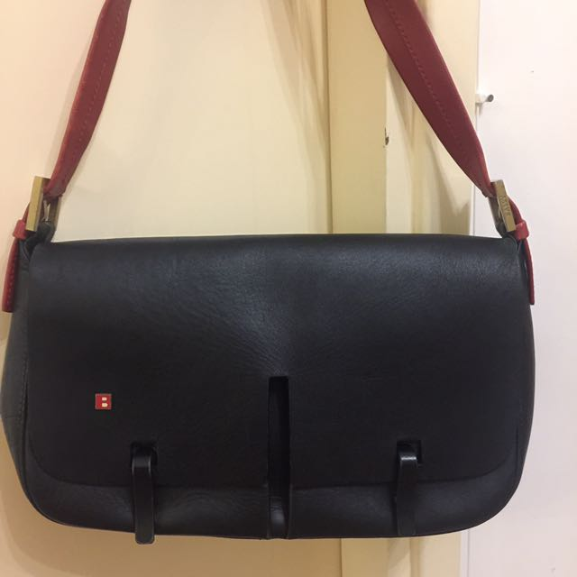 Vintage BALLY shoulder Bag In black