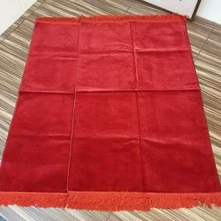 Brilliant Red Plain Sejadah Sajadah