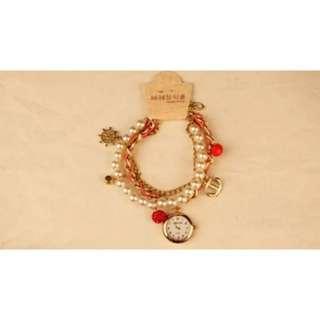 Women Elegant Pearl Quartz Watch(100% New)