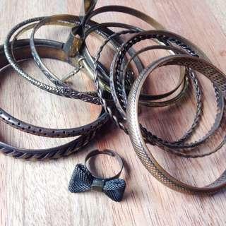 Metallic Bracelet Set - Bangles w/FREE Ribbon Ring