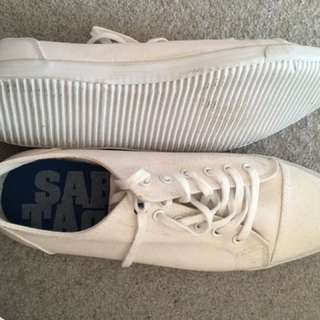Men's Shoes Size 10 - White