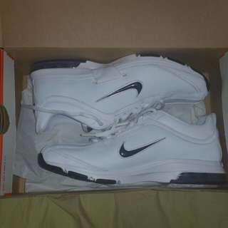 *PRICE DROPPED* Nike Air Max Essential Trainer