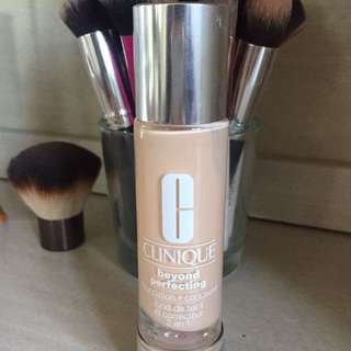Clinique Beyond Perfecting Foundation + Concealer