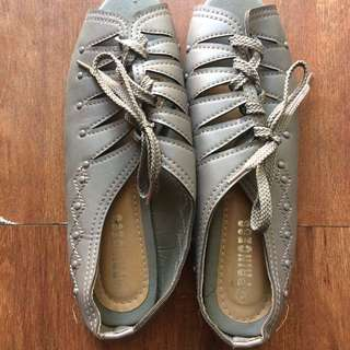 Repriced √ Gray open toe shoes