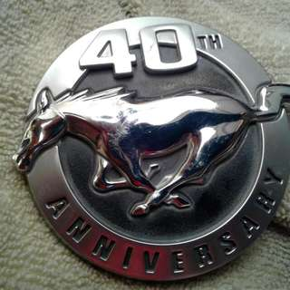 Mustang Emblem 2004