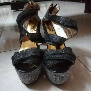 Gray-silver Wedge Sandals