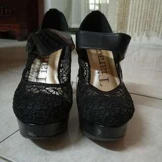 Tiaracara Collection Lace Shoes