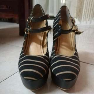 4 Inches Heels With Strap (Navy Blue +  Brown)