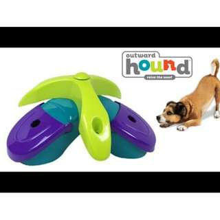 OUTWARD HOUND KYJEN 41007 TREAT TRIAD PUZZLE TOY, LARGE, MULTICOLOR