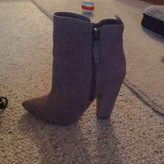 Brand new Spurr Boots