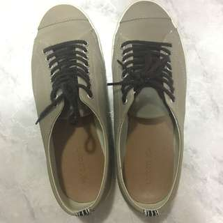 Lacoste sneakers - Size 6
