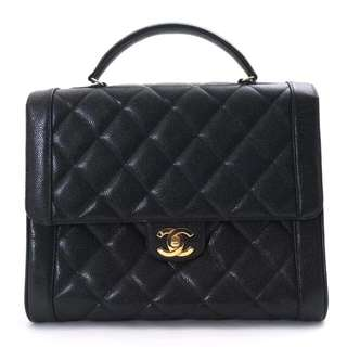 good condition Chanel handbag in black caviar and ghw