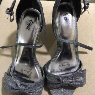Fioni black glittery shoes