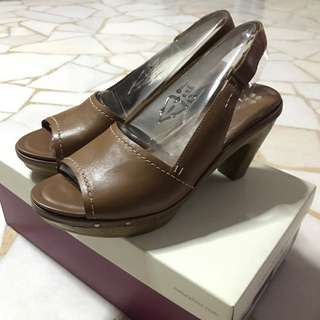 Naturalizer Saddle Tan Heels