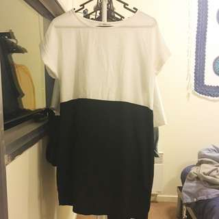 Size 8 White And Black Shift Dress
