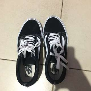 Vans Oldskool Black And White Ukuran 41 Original