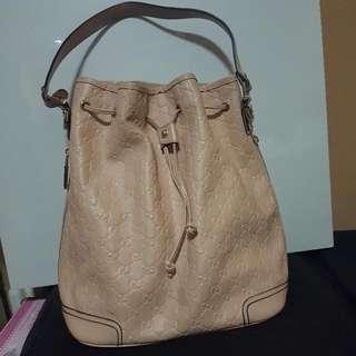 Bucket GUCCI bag
