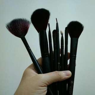 Makeup Brush ABH