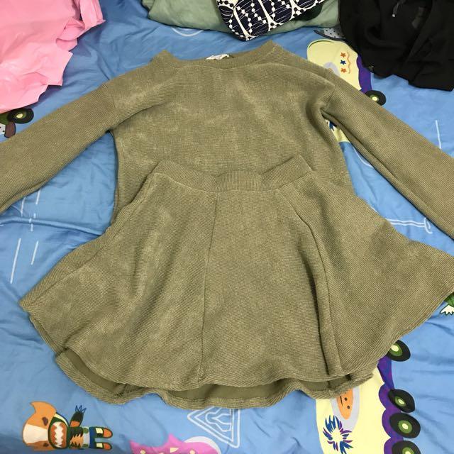 套裝(上衣+裙子)