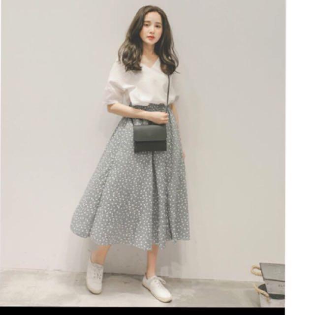 全新*白上衣服+綠碎花裙:一套不拆售