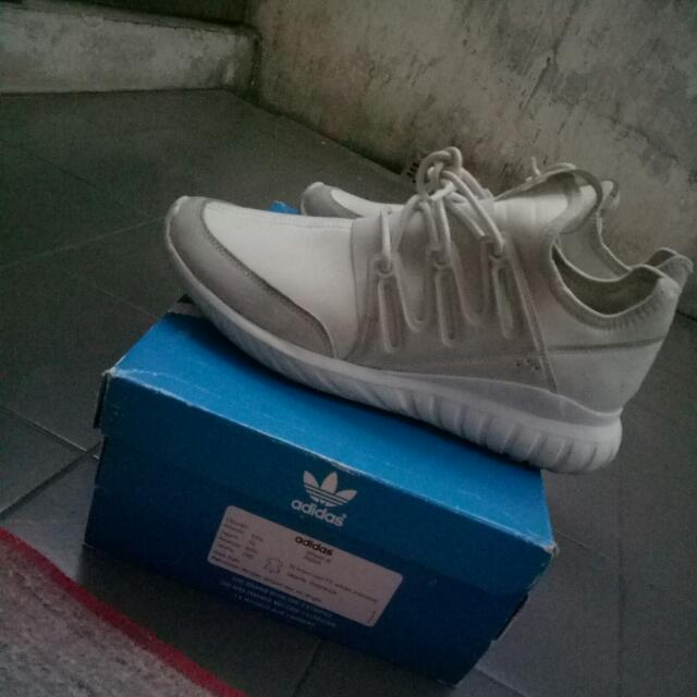 Adidas Tubularr Triple Whitee