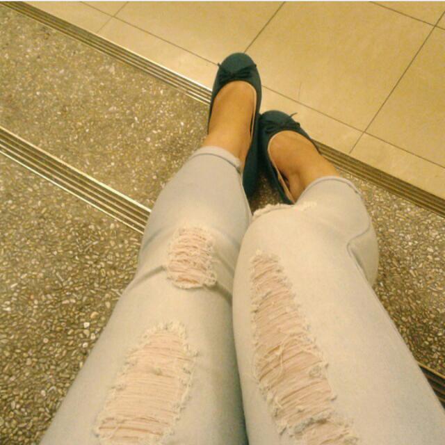 Crissa Ripped Jeans