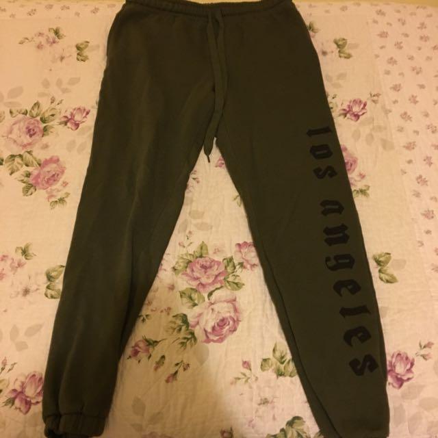 "Dark green ""Los Angeles"" black print medium sweatpants"