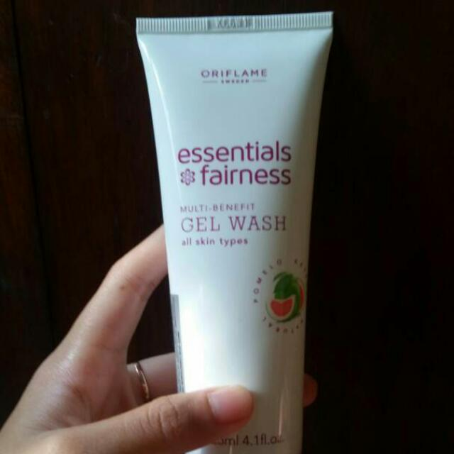 Essentials Gel Wash (Oriflame)