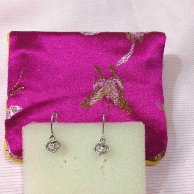 Heart Shaped Dangling Diamond Earring