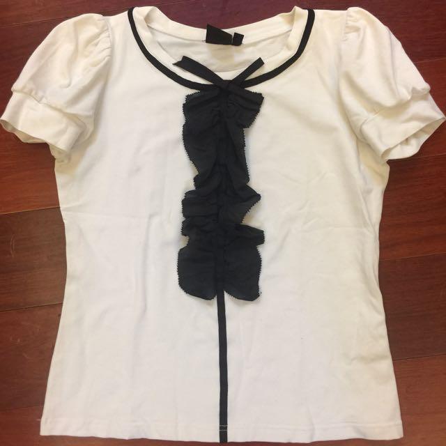 iroo 40 白色泡泡袖公主袖造型上衣