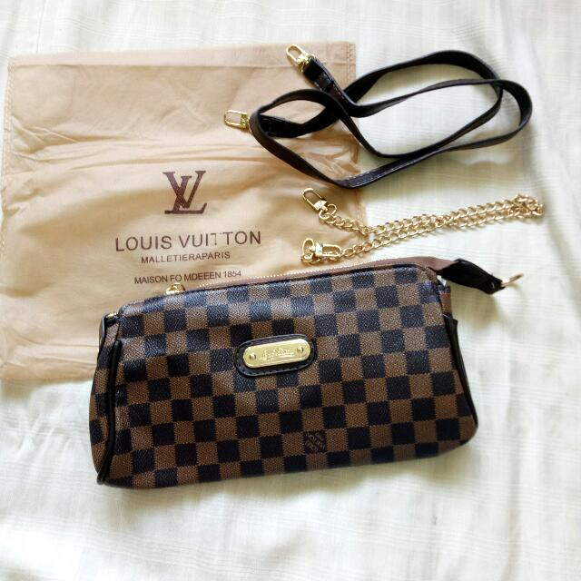 LOUIS VUITTON SLING/HAND BAG