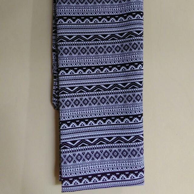 Monochrom Pashmina motif tribal