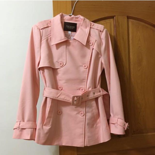 nice ioi  粉紅排扣風衣外套(含運)