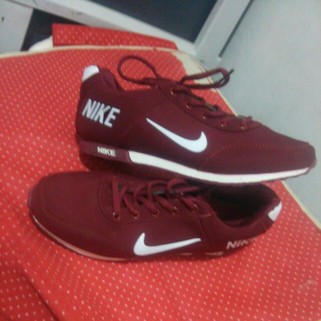 Nike Maroon Shoes