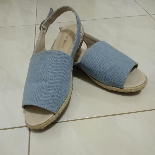 Sepatu sendal santai, Biru Jeans