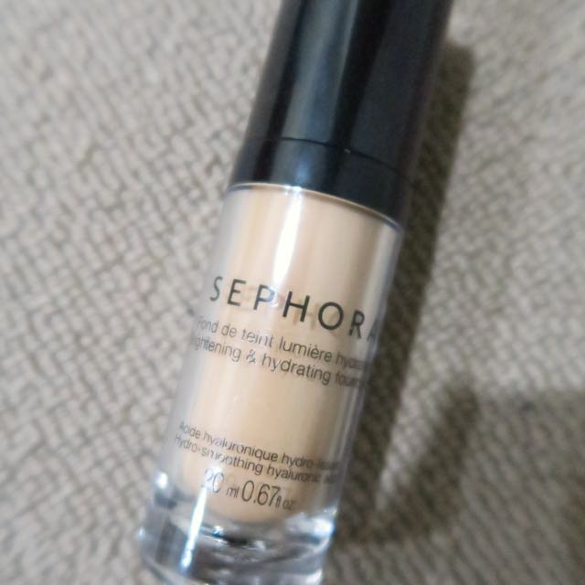 Sephora Brightening and Hydrating Foundation