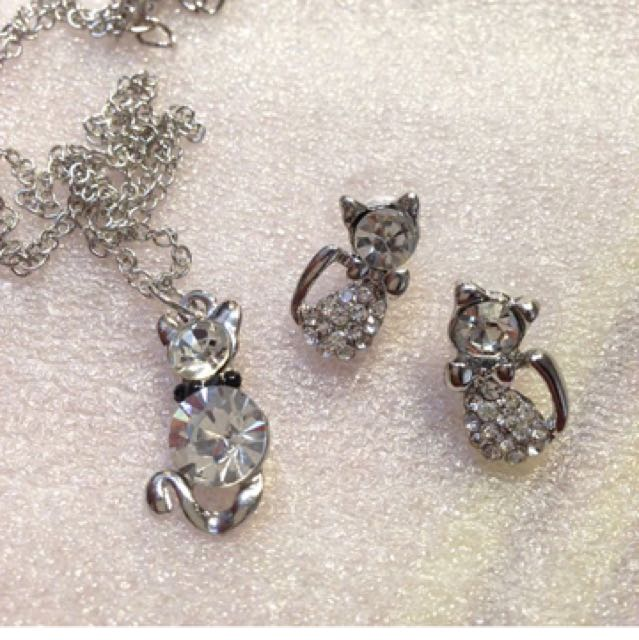 Set Kalung Dan Anting Kucing Silver Full Body