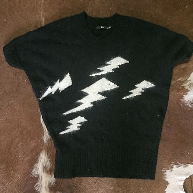 Sports girl Lightning Bolt Woollen Short Sleeved Jumper
