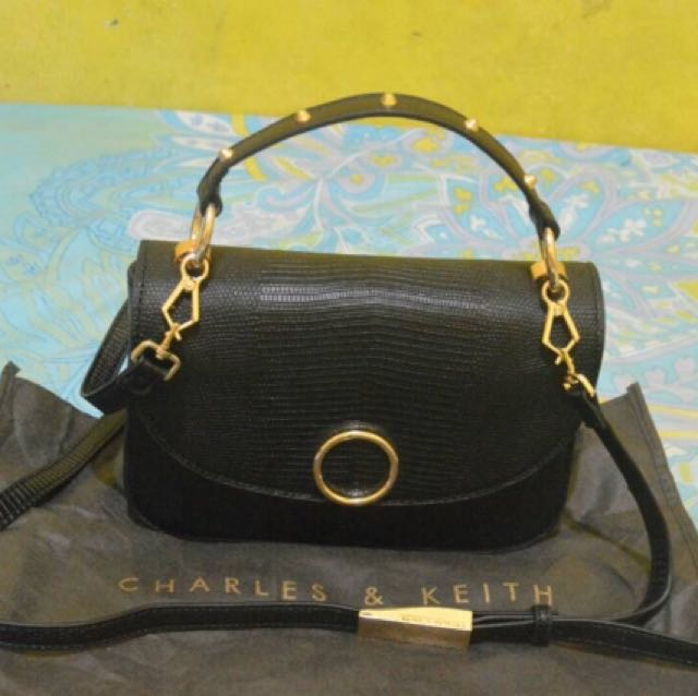 Tas Charles & Keith (new with tag)