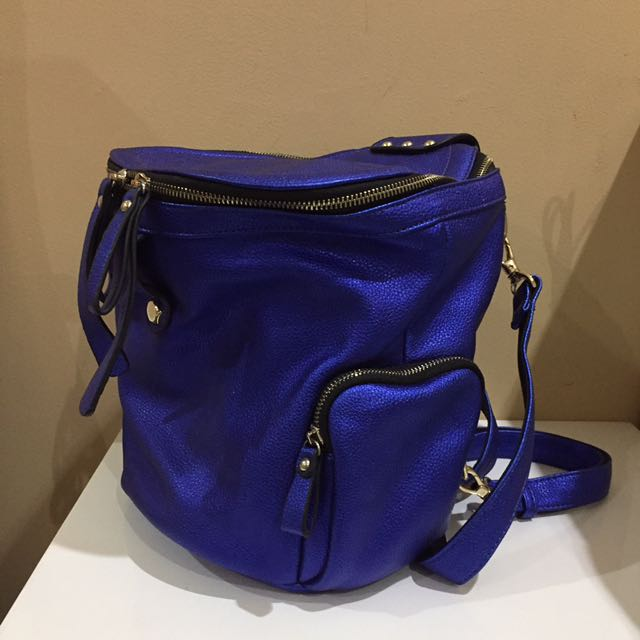 Trendy Cylindrical Backpack (Electric blue)