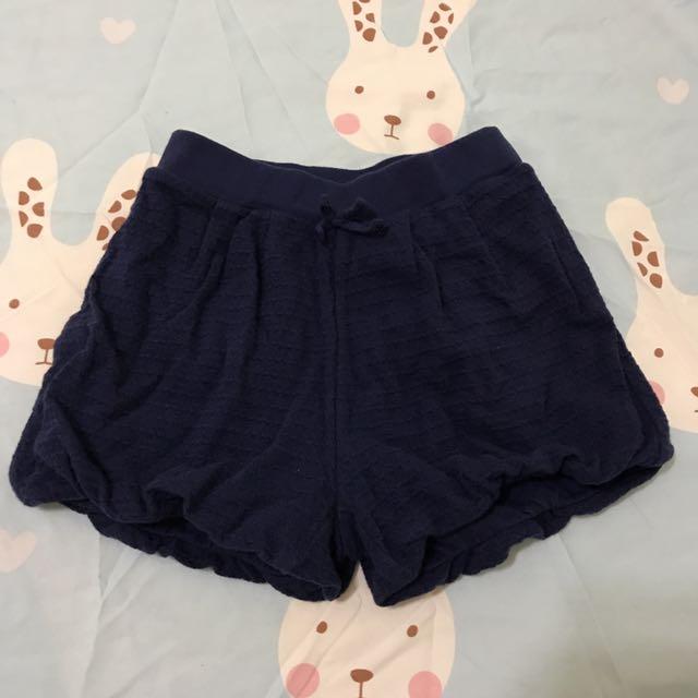 Uniqlo baby 深藍色燈籠短褲