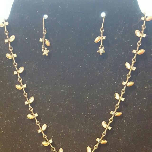 Vintage autumn earring and necklace set