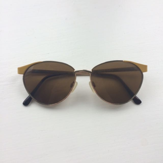 Vintage Style Sunglasses with Yellow Accents