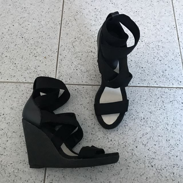 Witchery Wedges 6 Brand New