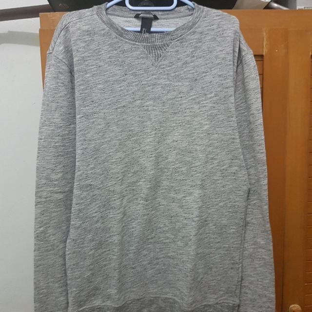 WTS H&M Basic Sweater warna Abu Abu
