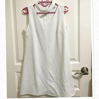 Liberté Sleeveless White Dress With Choker Neckline Design Sz M